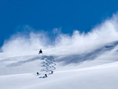 Helicopter-Skiing.jpg